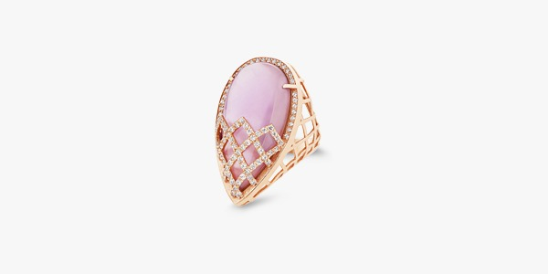 18K gold ring set with zirconium and opaline.