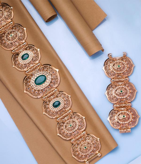 ceinture en or rose et pierres précieuses