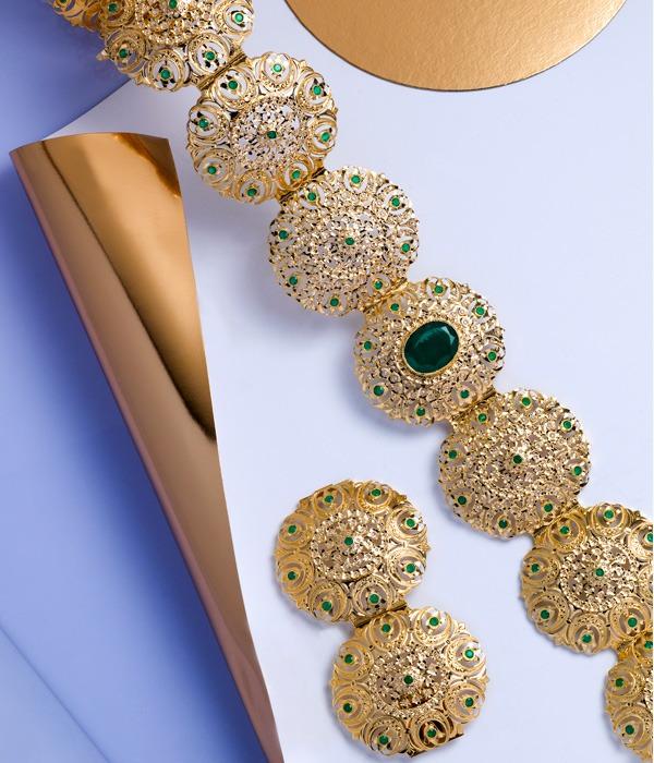 ceinture en or jaune et pierres précieuses
