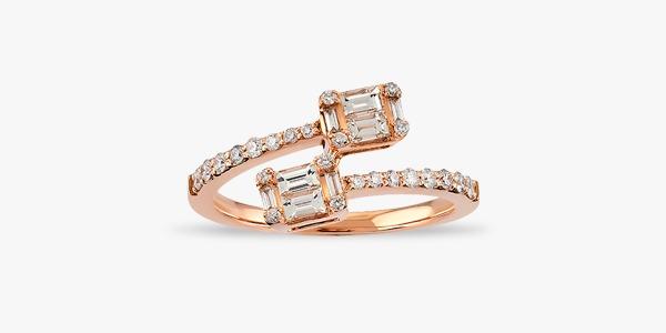 Bague-enroulée-en-or-blanc-18-K-sertie-de-diamants