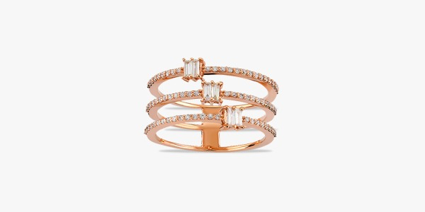 Bague-féminine-en-or-rose-18K-formée-de-trois-rangs-diamants
