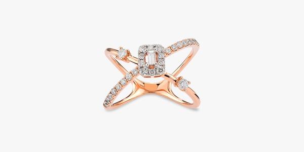 Bague-fabuleuse-en-or-18K-sertie-de-diamants