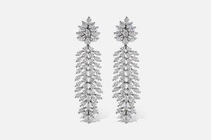 Boucles-d'oreilles-en-or-blanc-fabuleuses diamants