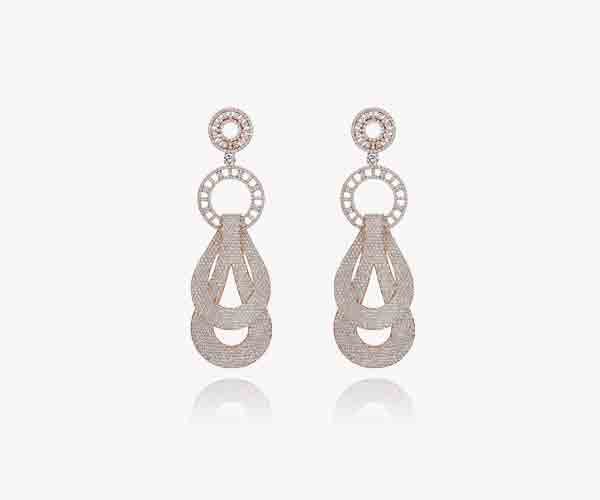Boucles-d'oreilles-en-or-rose diamants